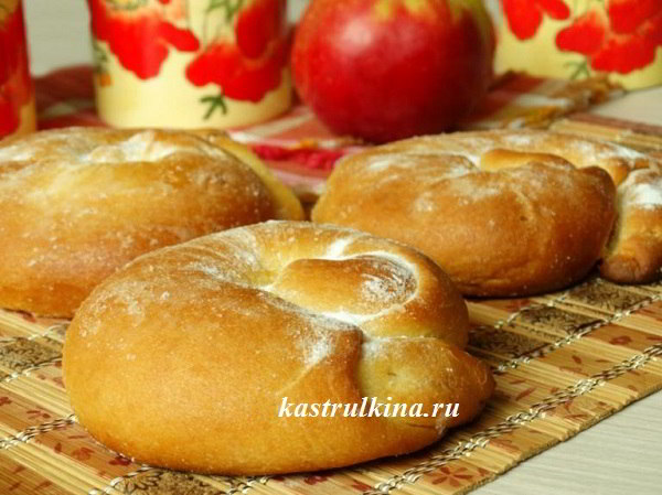Булочки-улитки Ensaimadas с яблоком