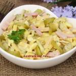 быстрый салат с ветчиной сыром и солеными огурцами