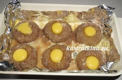 добавить сырое яйцо