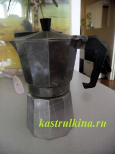 Варим кофе в гейзерной кофеварке (фото-урок)