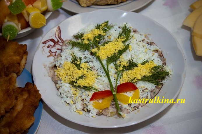 как украсить салат мимоза