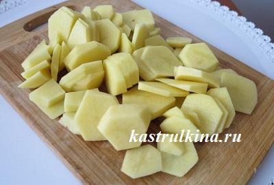 картошку порезать