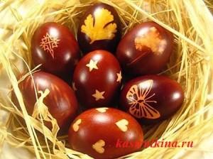 крашенные яйца с рисунком