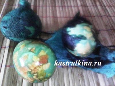 красим яйца на пасху зеленкой и луковой шелухой