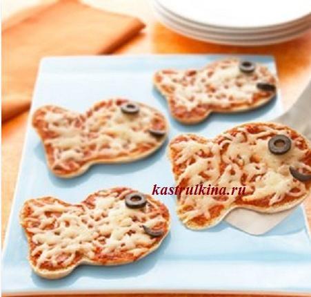 мини пиццы в форме рыбок