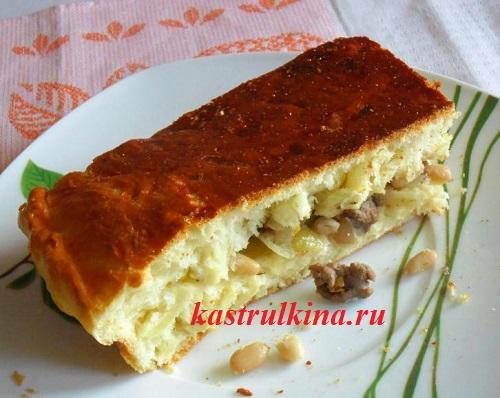 Дрожжевой пирог с куриным фаршем и фасолью