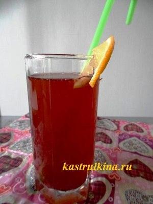 освежающий коктейль из рома и ананаса с калиной