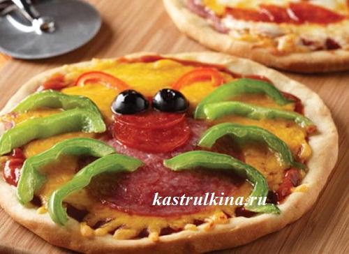 пицца в форме паука