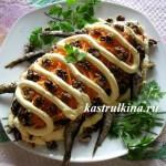 праздничный салат из шпрот со свежей капустой свеклой морковкой и грецкими орехами