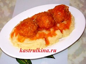 Рецепт рыбных тефтелей в томатном соусе из филе минтая