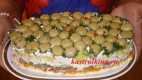 салат грибная полянка из консервированных шампиньонов и говядины