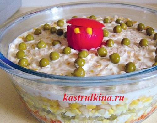 Салат из кукурузы консервированной и яиц с пошагово