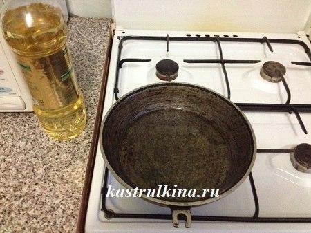 сковорода и растительное масло