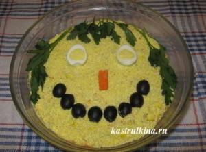 слоеный салат с консервированными сардинами