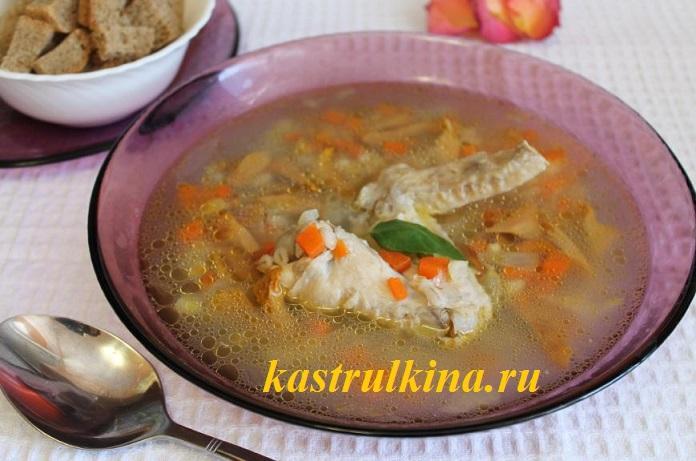 Суп из соленых грибов (лисичек) с перловкой