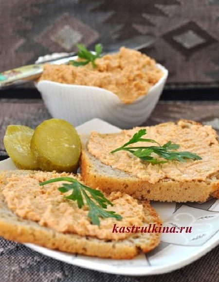 Сырная паста с рыбными консервами на бутерброды