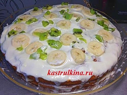 Лакомый тортик за 5 минут – торт из готовых коржей со сметанным кремом