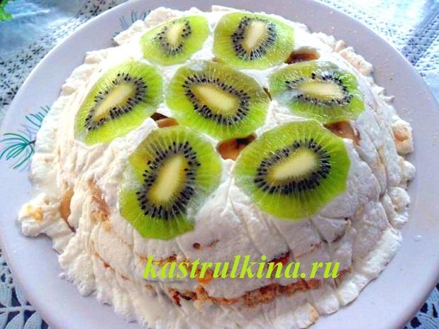 Рецепт торта из печенья без выпечки со сметаной и фруктами