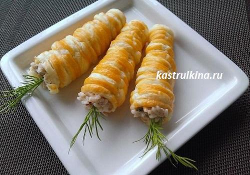 трубочки (эклеры) из слоеного теста с салатом