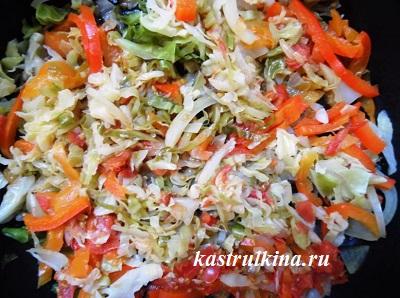 тушим овощи для начинки