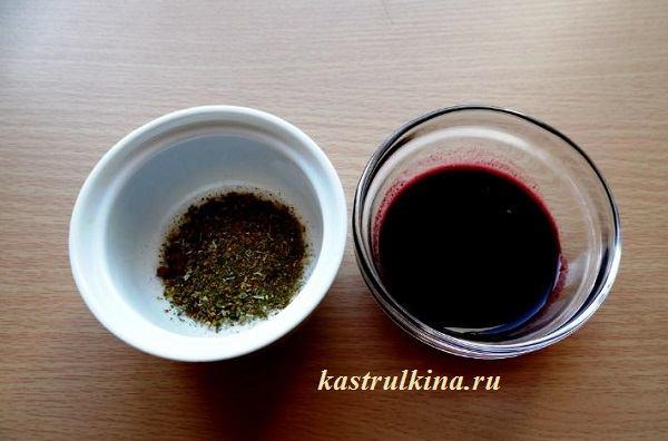 виноградный сок и пряности для маринада