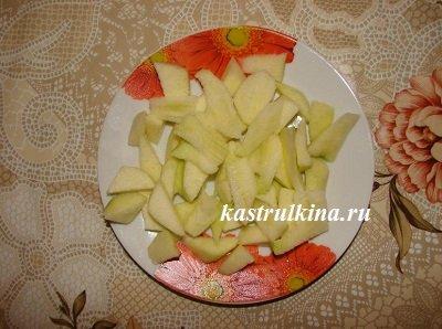 яблоки почистить и порезать