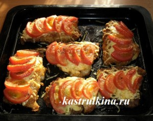 запеченный морской язык под шубой из сыра и помидоров