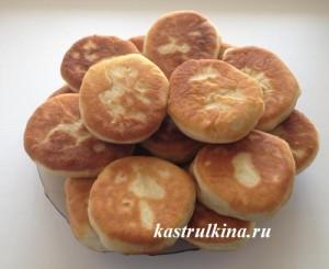 жареные дрожжевые пирожки с картошкой на молоке без яиц
