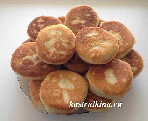 Жареные дрожжевые пирожки с картошкой, рецепт на молоке без яиц